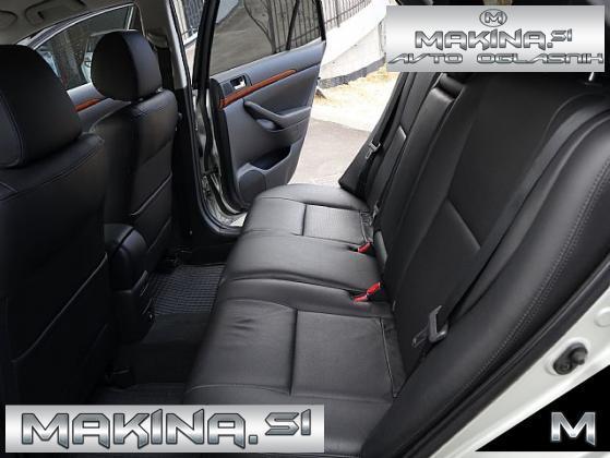 Toyota Avensis 2.2 D-4D- SLOVENSKO VOZILO- 1 LASTNIK- XENON- USNJE- NAVIGACIJA-
