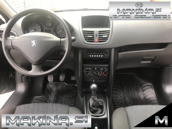 Peugeot 207 Style Klima+radio CD 1.4  -slovensko vozilo -134 tisoc KM