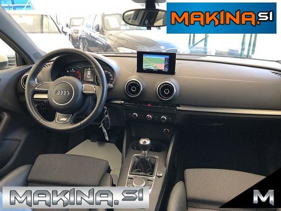 Audi A3 Limuzina 2.0 TDI S-line- navigacija- pdc- alu18- kamera