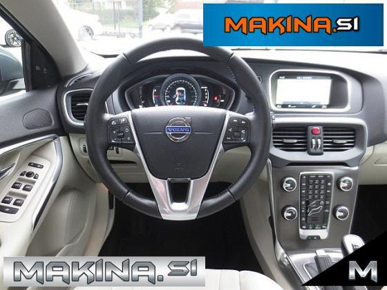 Volvo V40 2.0D MOMENTUM + NAVIGACIJA + 2 X PDC + DELNO USNJE + AVTOMATSKA KLIMA + TEMPOMAT