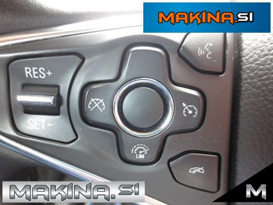 Opel Insignia 2.0CDTI ecoFlex Cosmo + BARVNA NAVIGACIJA + 2 X PDC + KOT NOVO