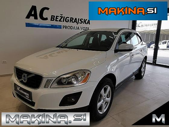 Volvo XC60 AWD D5 Momentum Geartronic 4x4 PDC- JAMSTVO 12.MESECEV