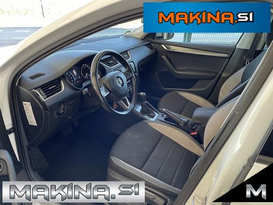 Škoda Octavia Combi 2.0 TDI CR DPF Elegance DSG- navigacija- pdc- alu18